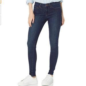 Daily Ritual Standard Mid Rise Skinny Jean 28 S